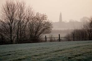 Wintermorgen im Dorf