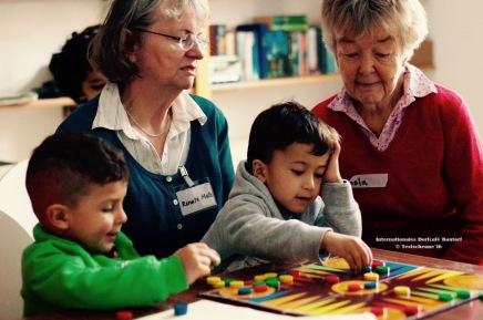 Kinder willkommen im Dorfcafé